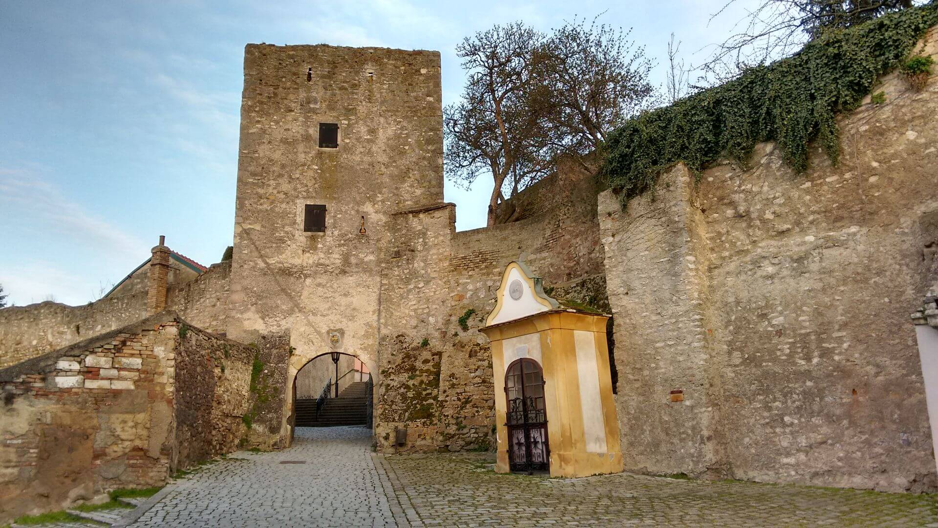 medieval fortifications in Hainburg